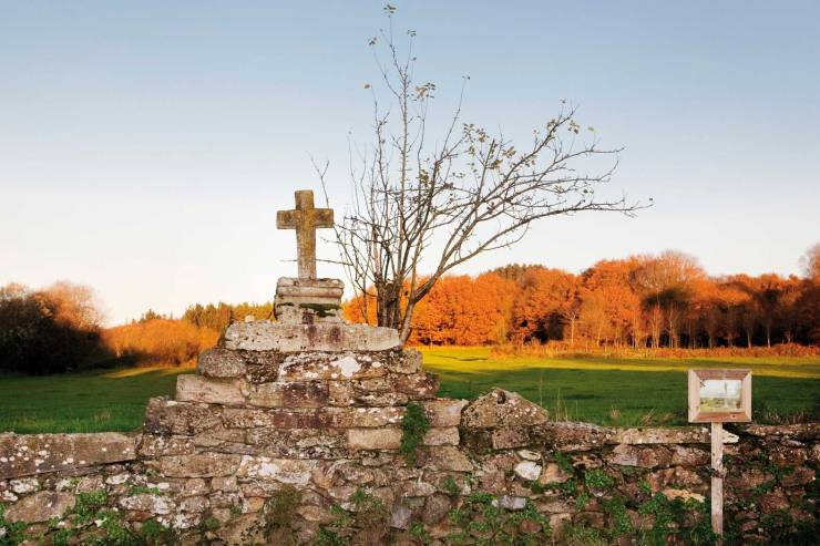 LIGONDE_01_Ligonde.-Cementerio-de-peregrinos.jpg